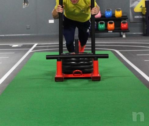 Moquette sintetica turf fitness allenamento slitta foto-10972