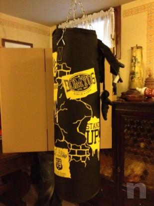 Sacco da boxe con guanti compresi  foto-11421