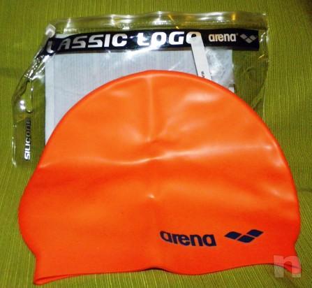 Cuffia da nuoto arancione scritta nera in silicone taglia M foto-11576