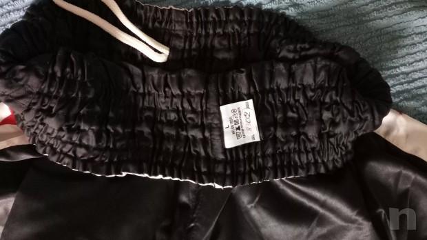 pantaloncini Thai Box, nero bianco stelle con scritta davanti foto-22175