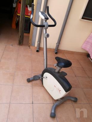 Cyclette e panca x addominali foto-14803