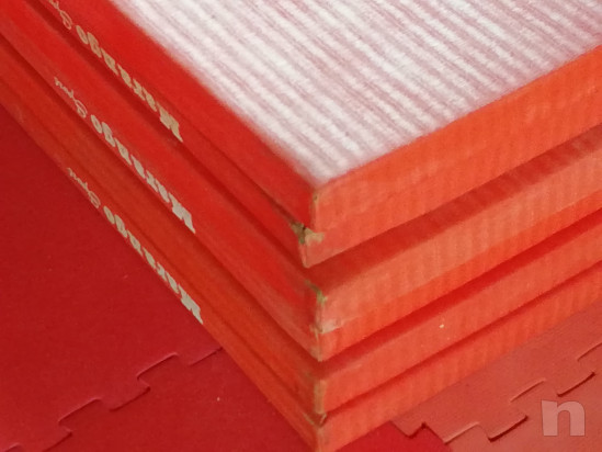 Vendesi 6 tatami judo 2x1 Marango sport semi nuovi prezzo poco trattabile solo in blocco prezzo per singolo tatami. Usura solo su qualche angolo foto-28011