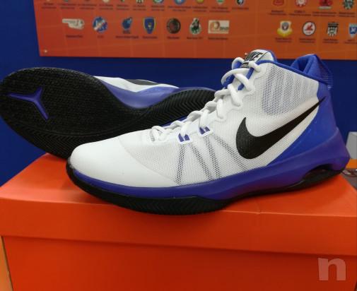 Scarpe da basket Nike modello Versitile nuove foto-15229