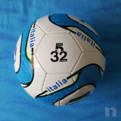 Pallone in cuoio - Italia - Nuovo foto-29203