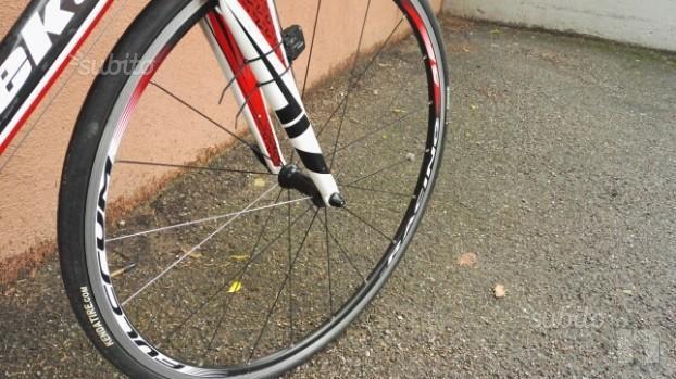 Bici da corsa FULL CARBON Vektor Sequenze.  foto-29858
