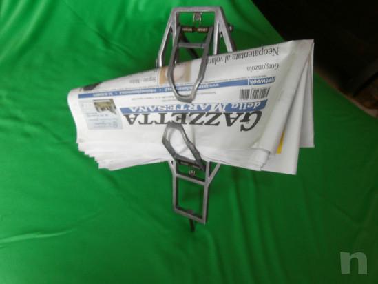 vecchio portapacchi-portagiornali per bici d'epoca foto-30037
