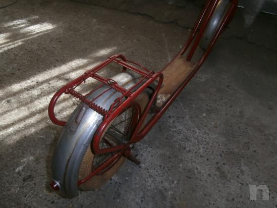 antico monopattino in ferro ogg. vintage foto-30456