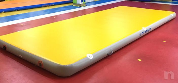 Tappeto gonfiabile per acrobazie  foto-16788