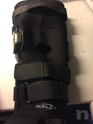 Tutori per ginocchia dx e sin DONJOY foto-17128