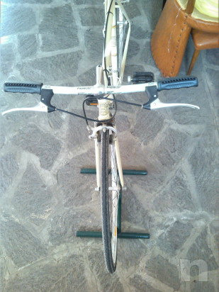 Bicicletta da corsa in stile retrò foto-34424