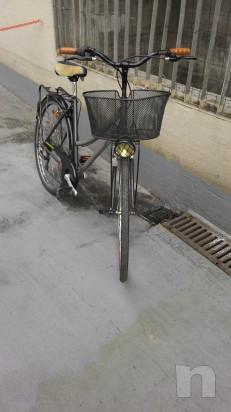 """Bici donna  leggera,con cambio,luci, cestino, portapacchi,ruote 28"""" foto-35374"""