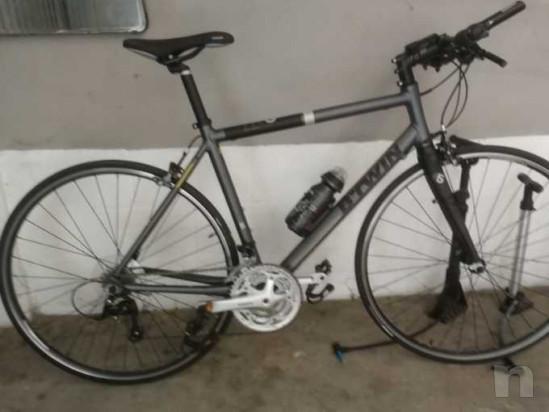 Bicicletta ibrida da corsa modello BTWIN come nuova foto-35494