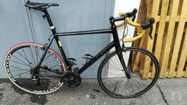 Bici da corsa in alluminio - Shimano Ultegra 9 rapporti foto-36781
