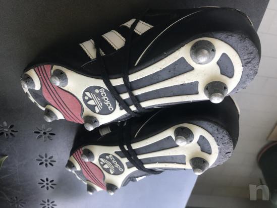Scarpe calcio adidas con tacchetti ferro foto-37474