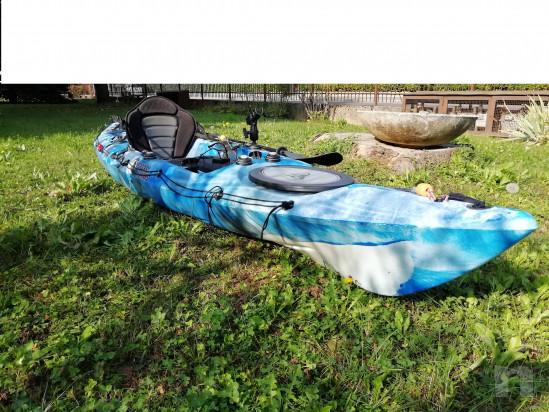 kayak da pesca o escursionismo foto-39417
