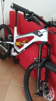 Bici da enduro YT CF capra 2019 taglia 27.5 XL  foto-20524