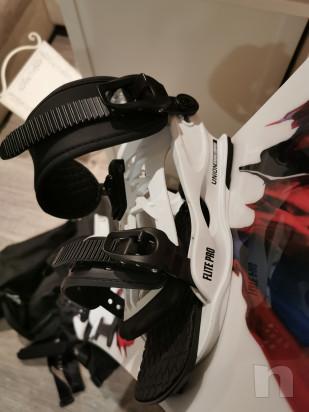 Tavola snowboard capita con attacchi e scarponi foto-43399