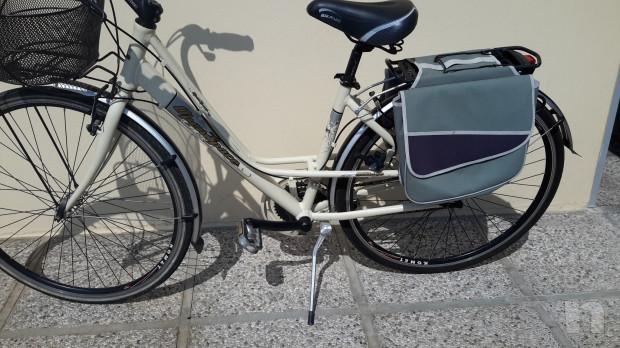 """Bici modello anni 40-50 """"Ma dove vai bellezza in biciclettaaa"""" foto-23276"""