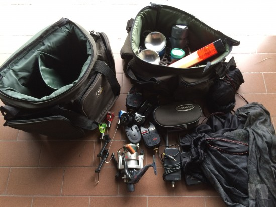 attrezzatura completa di pesca foto-9370