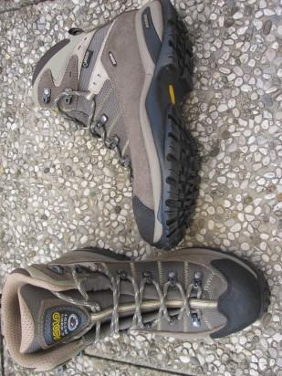 Scarponi trekking goretex foto-10000