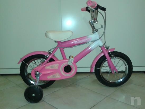 Bicicletta del 12  adatta a bimbe  dai 2/3 anni in su' foto-5999