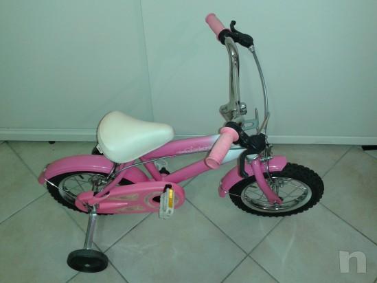 Bicicletta del 12  adatta a bimbe  dai 2/3 anni in su' foto-10703