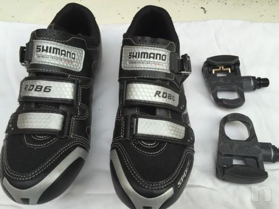 Scarpe per bici corsa e pedali foto-10870