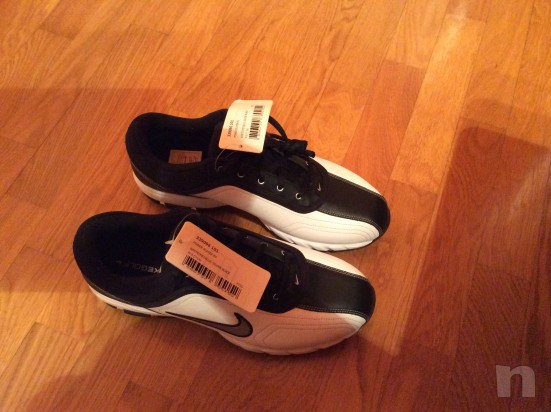 Vendo scarpe da golf NUOVE marca Nike, numero 42,5 foto-6210