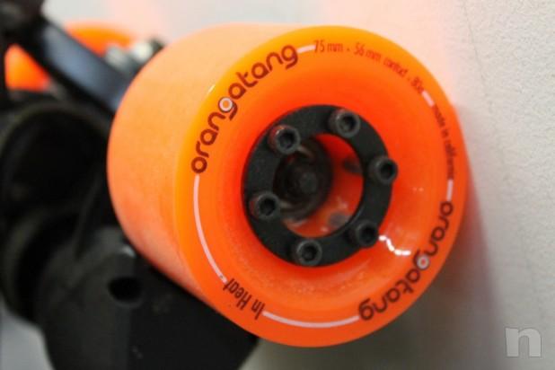 Skate Board Electrico Marca Potenziato Dual 2000w Caricato 22 mph Orangatang Nuovo foto-14993