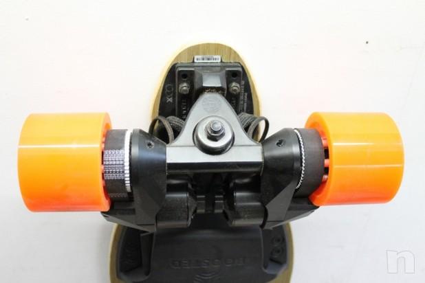 Skate Board Electrico Marca Potenziato Dual 2000w Caricato 22 mph Orangatang Nuovo foto-14992