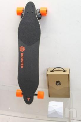 Skate Board Electrico Marca Potenziato Dual 2000w Caricato 22 mph Orangatang Nuovo foto-8283