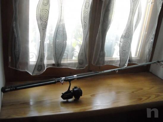 canna da pesca fissa con mulinello foto-9690