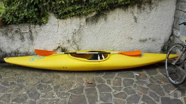 Canoa con pagaia  foto-9892