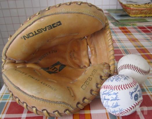 GUANTONE DA BASEBALL, ORIGINALE U.S.A., CON DUE PALLE. foto-9930